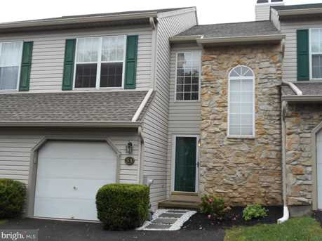 51 Essex Ct - Photo 1