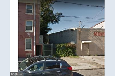 810 N 12th Street - Photo 1