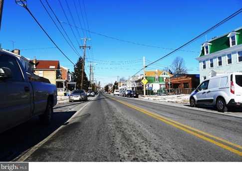 4426 Rhawn Street - Photo 3