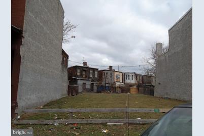 1621 W Lehigh Avenue - Photo 1