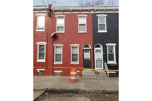 749 E Woodlawn Street - Photo 1