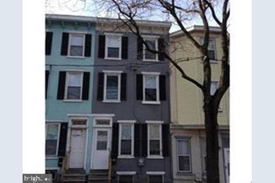 628 W 4th Street - Photo 1