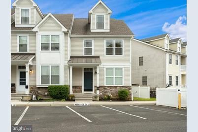 8 Hollyville Place - Photo 1