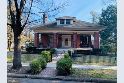 135 Gilmore Avenue - Photo 1