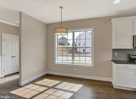 236 West View - Photo 9