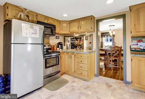 8007 Tomstown Road - Photo 9