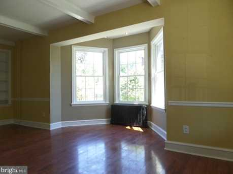 104 S Walnut Street - Photo 3