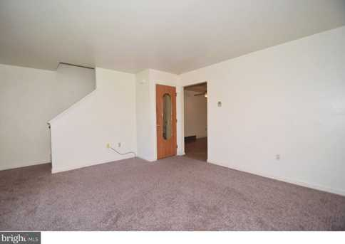 3143 Montrose Avenue - Photo 3
