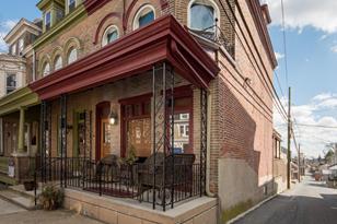 324 W Lemon Street - Photo 1