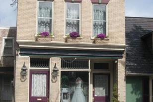 307-309 W King Street - Photo 1