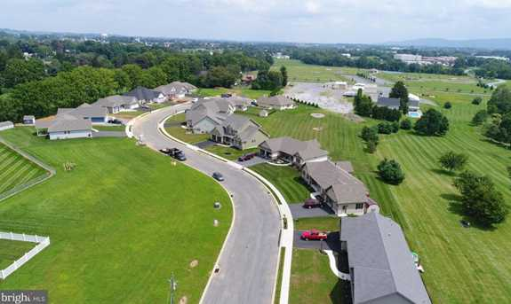 404 Park View Drive - Photo 3