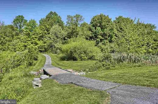114 Lakeside Drive - Photo 3
