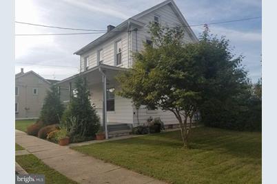 207 W Carpenter Avenue - Photo 1