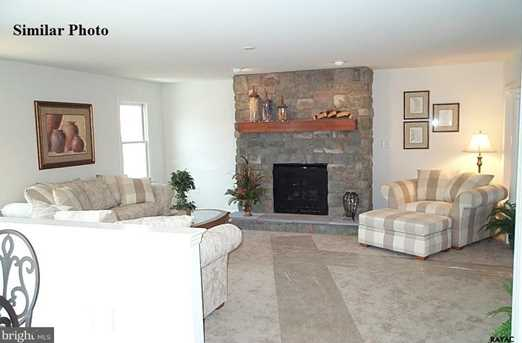 ~ Brentwood Model - Photo 3