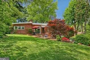 2820 Russell Road - Photo 3