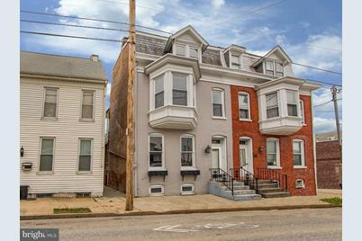 989 E Philadelphia Street - Photo 1