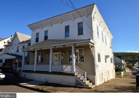 450 W 2nd Street - Photo 1