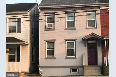 108 E Penn Street - Photo 1