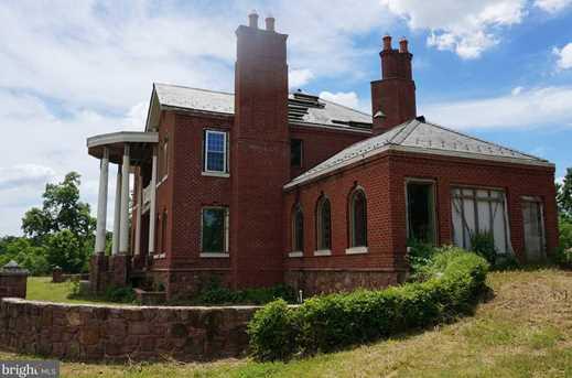 1692 Schoolhouse Road - Photo 3