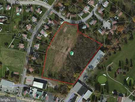 2150 Pineview Circle - Photo 1