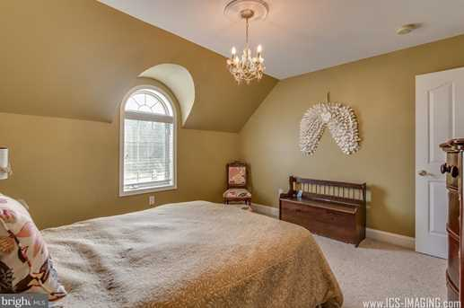 635 Chestnut Hill Road - Photo 19