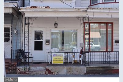 418 E Centre Street - Photo 1