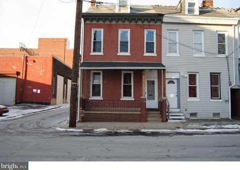 725 Chestnut Street - Photo 1