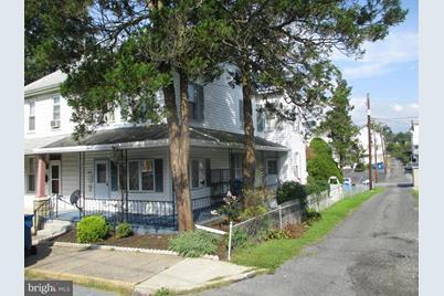 2620 Penbrook Avenue - Photo 1