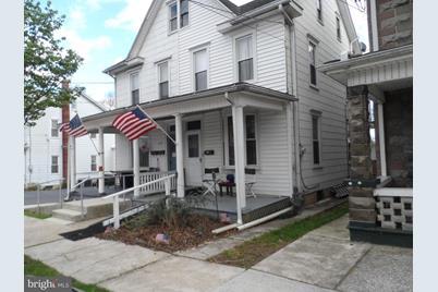 204 Herman Avenue - Photo 1