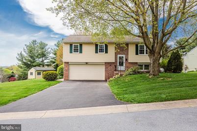 742 Laurel View Drive - Photo 1