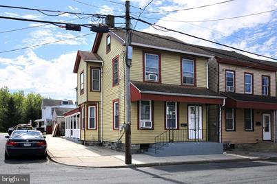 1402 Willow Street - Photo 1