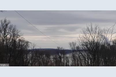 425 River Drive - Photo 1