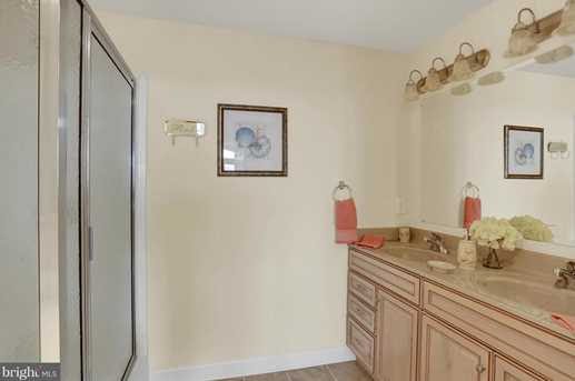 103 Irving Ave #401 - Photo 5