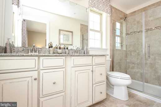 8214 Secluded Cove Ln - Photo 17
