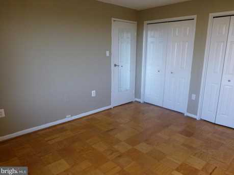 10201 Grosvenor Place #1003 - Photo 9