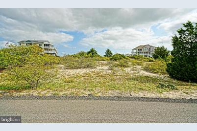 2116 N Bay Shore Drive - Photo 1
