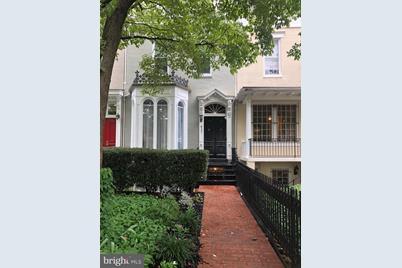 417 New Jersey Avenue SE #ENGLISH BASEMENT - Photo 1