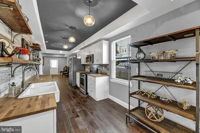1100 W 40th Street - Photo 1