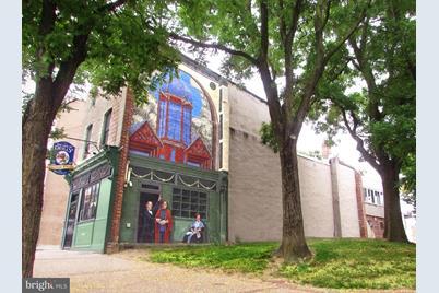 2031 E Fairmount Avenue - Photo 1