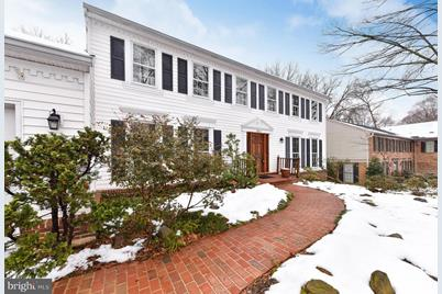 523 Fort Williams Parkway - Photo 1