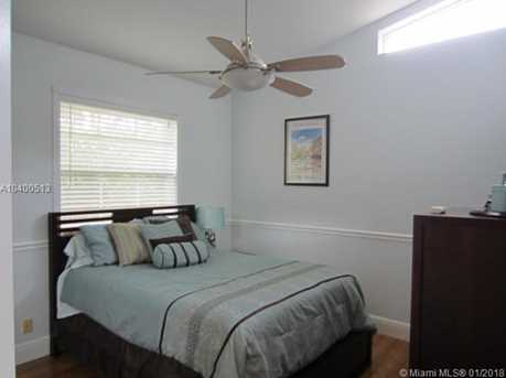 2647 Edgewater Dr - Photo 25