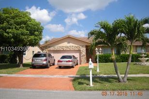 7451 NW 38th Ct - Photo 1