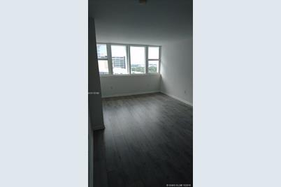 10275 Collins Ave #1516 - Photo 1