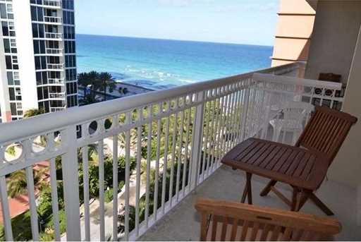 19201 Collins Ave #825 - Photo 11
