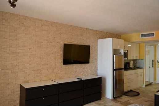 19201 Collins Ave #825 - Photo 4