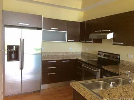 2525 SW 3rd Ave #807 - Photo 3