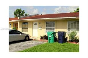 12971 SW 18th Ter #12971 - Photo 1