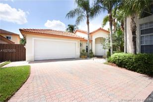 11277 NW 59th Ter - Photo 1
