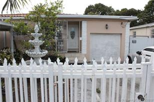 150 NW 49th Ave - Photo 1