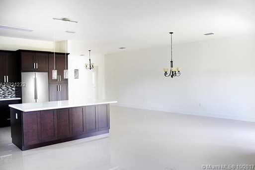 10310 SW 7th Ter - Photo 15